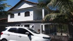 Casa triplex - 04 Quartos(02 suítes) - Em Muriqui