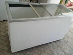Freezer porta de vidro pegando tudo perfeitamentee