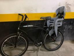 Bicicleta adulto com cadeirinha de criança