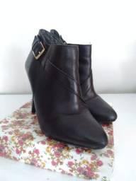 Bota cano curto ankle boot, Ramarim Total Comfort, tamanho 34