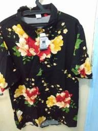 Título do anúncio: Camisas floridas/ camisas de botão