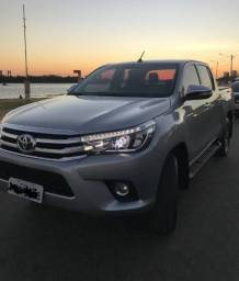Título do anúncio: Toyota Hilux 2017 Srx Prata, 4x4Turbo Diesel. Top da Categoria