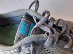 Tenis Nike número 36