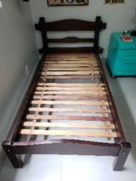 Cama de solteiro madeira maciça