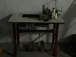 Máquina overloque semi automática