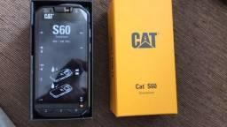 "Smartphone Caterpillar S60 Dual SIM 32GB Tela 4.7"" 13MP/5MP OS 6.0.1 - Preto"