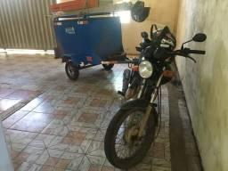 Carreta baú para moto ou carro