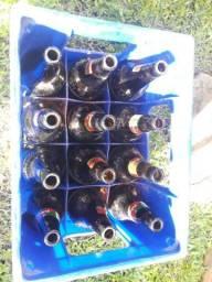 Caixa de cerveja Litrão com garrafas