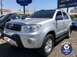 Toyota Hilux SW4 3.0 SRV 4X4 7 LUGARES - 2010