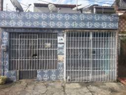 Casa de 2 pavimentos independentes, documentada na Tv. Alferes Costa