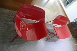 Cadeiras vermelhas em laca (par) para sala de estar em bom estado