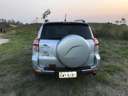 Toyota RAV4 ótimo estado - 2011