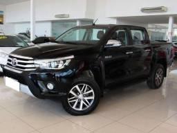 Toyota Hilux 2.8 srx preta cd 4x4 - 2016
