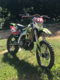 Moto de trilha Tokens 250cc txr 2014 muito nova