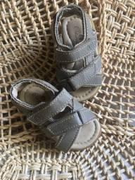 Sandália infantil de velcro super confortável !!!!!