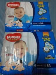 Fraldas Huggies M 2 pacotes