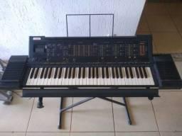 Teclado Yamaha PSR - 6300