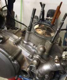 Motor de crf 250r aberto, todas as peças boas. Embreagem completa original