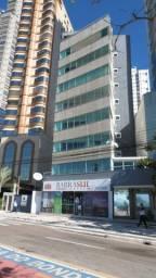 Alugo apartamento Frente mar, Mobilado com 5 dormitórios e localizado na barra sul