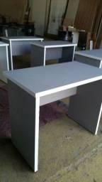 Mesas de estudo ou escritório 140 cada mesa pra buscar,pé eu  entregar 160