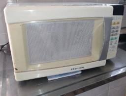 Microondas Electrolux ( Me21S ) R$70.00 / P consertar ou peças