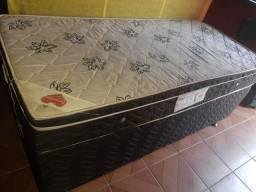 Vendo cama box solteiro mola ensacada