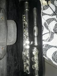 Vende-se essa flauta transversal