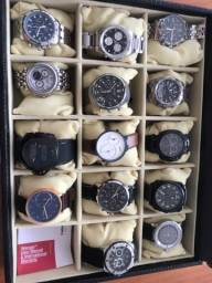 Título do anúncio: Vendo coleçao de relógios