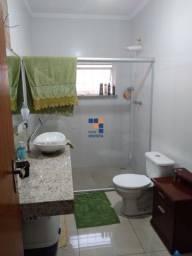 Título do anúncio: Casa localizado em Jardim Riacho Das Pedras. 4 quartos (3 suítes), 1 banheiros e 3 vagas.