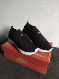 Tênis Slip On Nike TAM 39