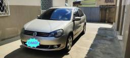 Volkswagen Polo Sedan 1.6 Comfortline i-Motion