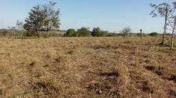 Título do anúncio: Sítio, Lote, Chácara, Fazenda, a Venda em Bofete, Torre de Pedra, Porangaba - SP Lote 30.0
