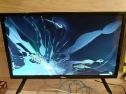 """Título do anúncio: TV Philco 24"""" - tela quebrada"""