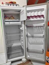 Vendo Refrigerador/Geladeira Esmaltec - LEIA A DESCRIÇÃO