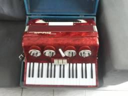 Oportunidade Excelente acordeon Veronese 80 baixos com case original