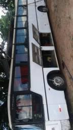 , vende-se um ônibus Mercedes 364 barra 13 ano 1985