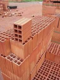 Tijolos e telhas