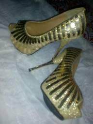 Lindaaa sandália $60 desapegando!!