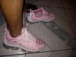 5a1eb6afd4c Roupas e calçados Unissex - Zona Leste
