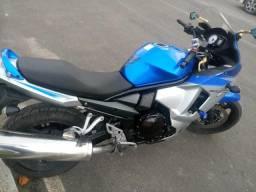 Vendo ou Troco Moto Suzuki 650 cc - 2011