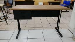 Mesas para estudo ou escritorio