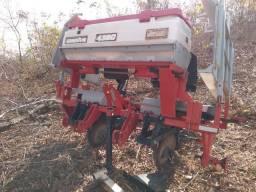 Máquina de plantar macaxeira ano 2013