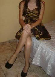 Vestido dourado de festa com bojo