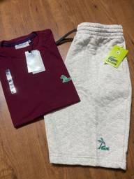 Bermuda moletom + camisa básica