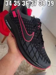 Tênis Nike unissex/ Instagram (@_britostores)