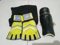 Desapego,  Luvas, caneleira  e calça de Goleiro (usados)