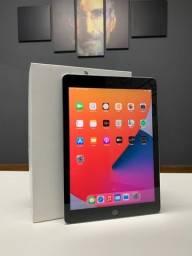 Título do anúncio:  iPad 6 Geração 32GB Wifi - Seminovo - Loja Centro de Niteroi