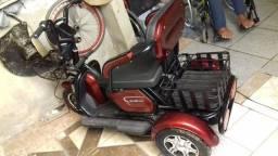 Triciclo elétrico ZUB pouco usado