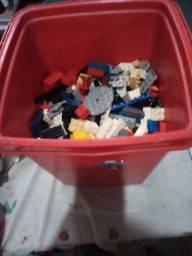 Vendo balde de lego