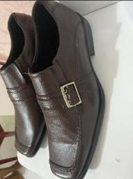 Vendo dois sapatos novos!! Preço imperdível!